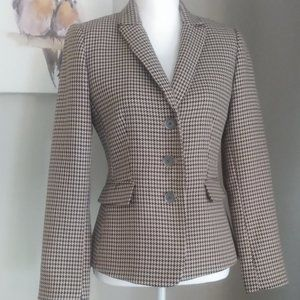 Classic Houndstooth Tailored-fit 3-button Jacket